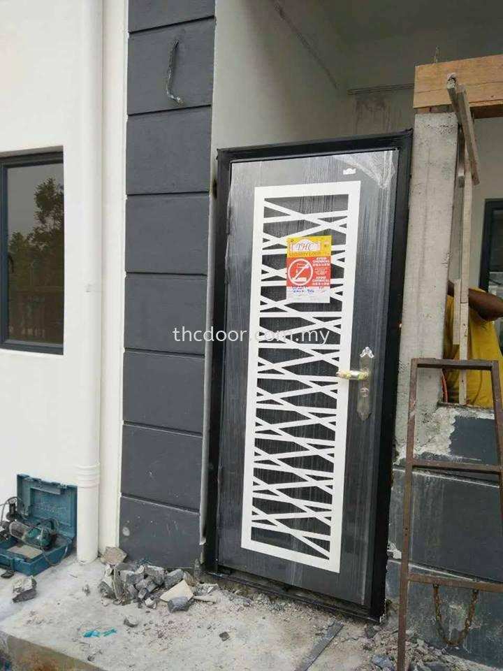 Security door pp6 8808 ss988 interior design klang for Door design johor