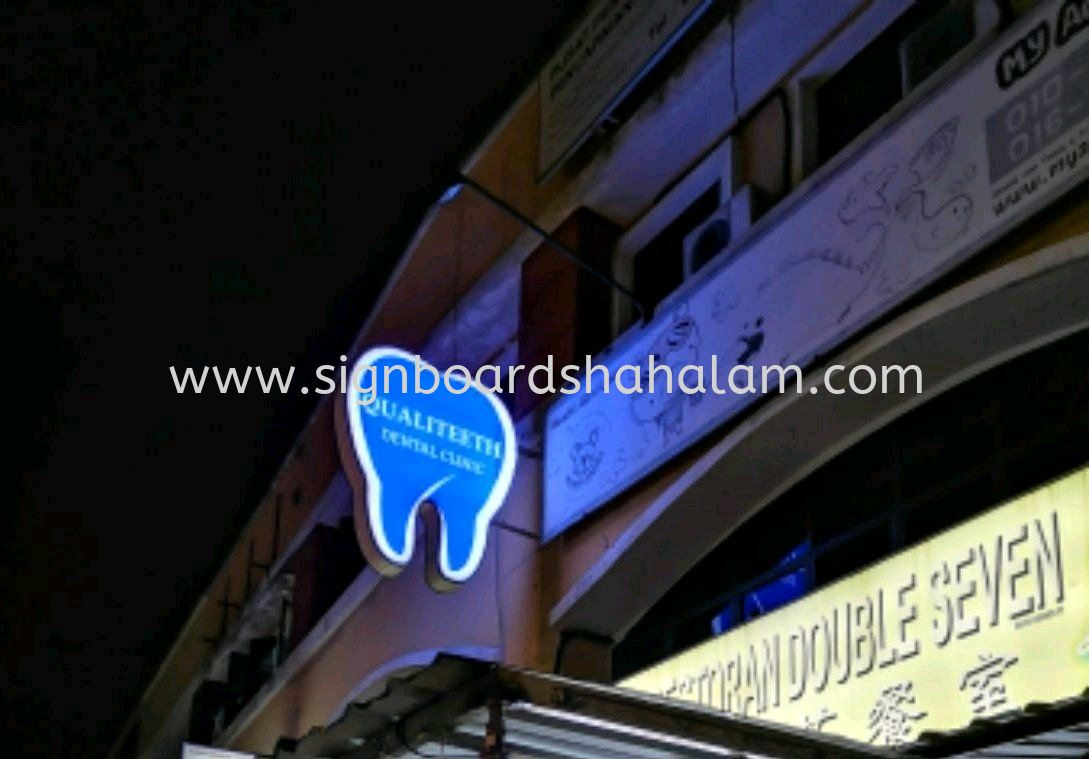 Qualiteeth Teeth Shape Type Double Side Signboard