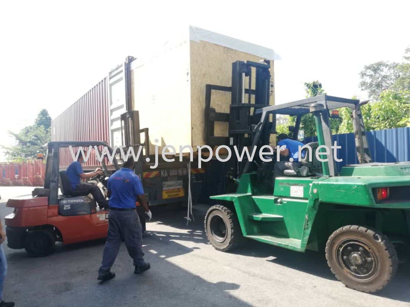 Mover with forklift