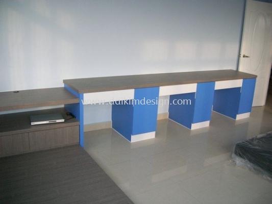 Writing table / Cupboard 001