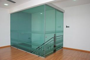 INTERIOR AND EXTERIOR GLASS SCREEN 16