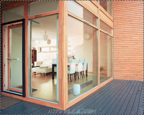INTERIOR AND EXTERIOR GLASS SCREEN 20