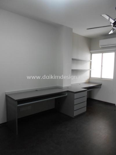 Writing table / Cupboard 004