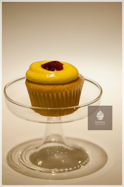 Strawberry Lemonade flavor cupcake
