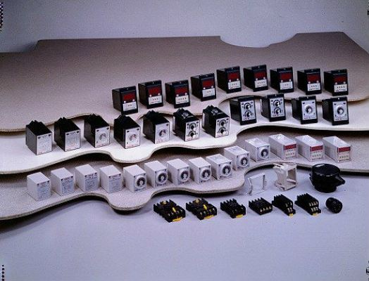 STP Series Multi-Range On Delay Timer / Flicker
