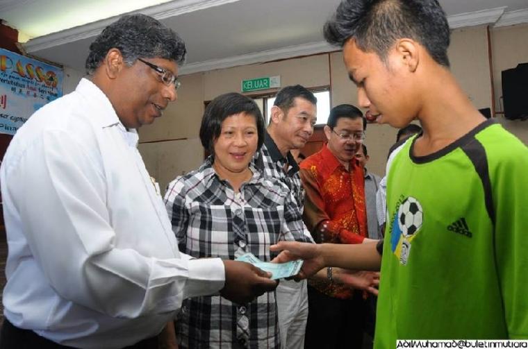 16.02.2014 Bantuan Pelajar Termiskin Sek. Rendah & Menengah Parlimen Bagan, Penang
