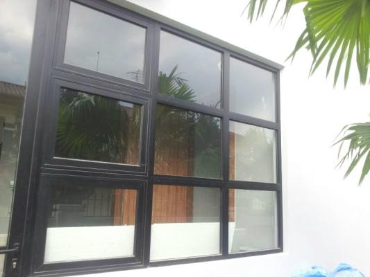 ALUMINIUM TOP HUNG WINDOW 4