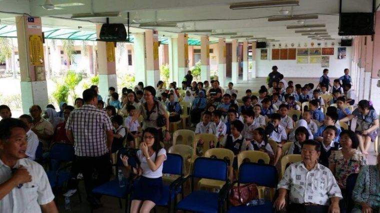 31.3.14 Study Aid for 140 pupils from 7 schools in N.S.捐献RM200助学金给140位贫穷学生来自7间森州华小