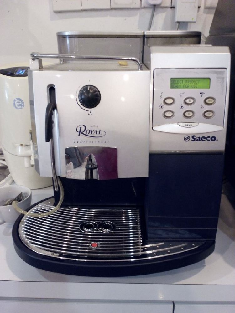 USED / 2ND HAND FULLY AUTO COFFEE MACHINE