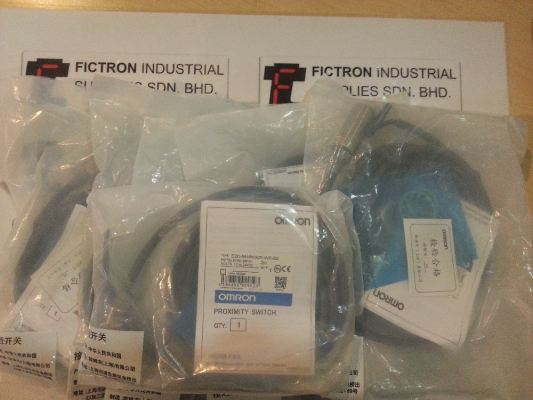 E2G-M18KS05-WS-B2 E2GM18KS05WSB2 OMRON Proximity Switch Malaysia Singapore Thailand Indonesia