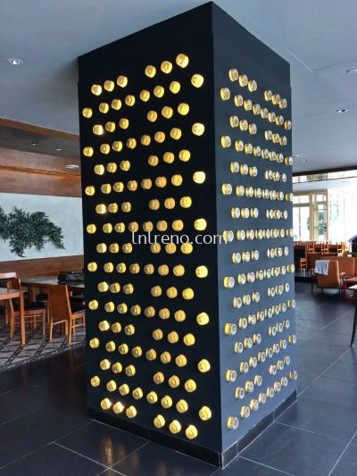 Custome bottle display with lighting