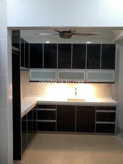 3G Kitchen Cabinet