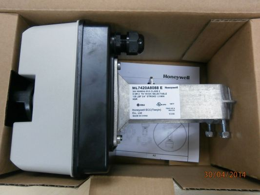 HONEYWELL ML7420A8088-E 24V 50/60HZ DIRECT COUPLED ELECTRIC VALVE ACTUATOR