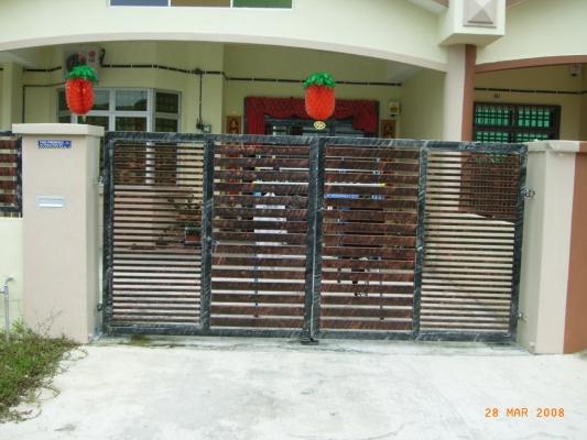 Mild Steel Gate With Mild Steel Hollow 06