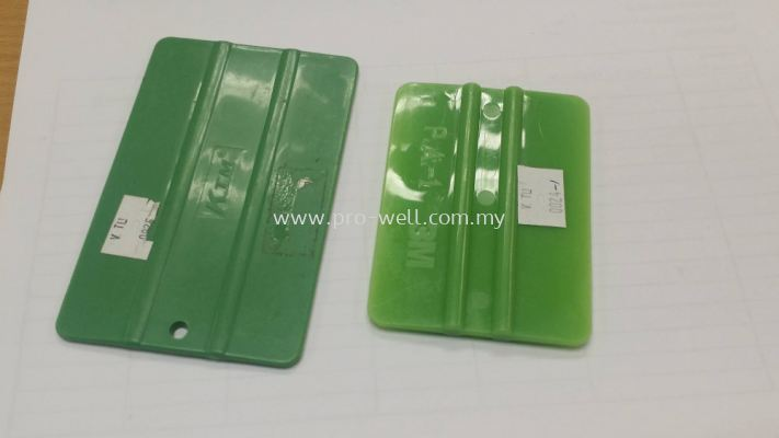TL0047 Card with Bone Green or Blue