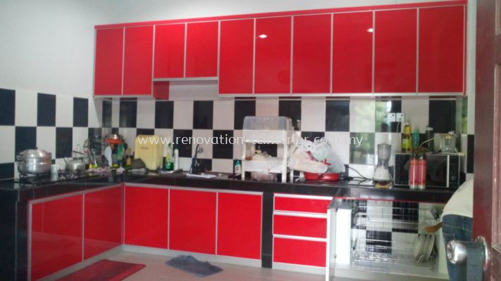 GLASS SURFACE KITCHEN CABINET