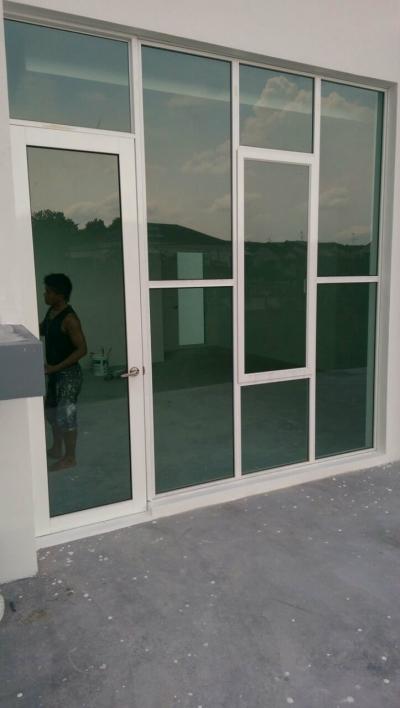 ALUMINIUM CASEMENT WINDOW 17