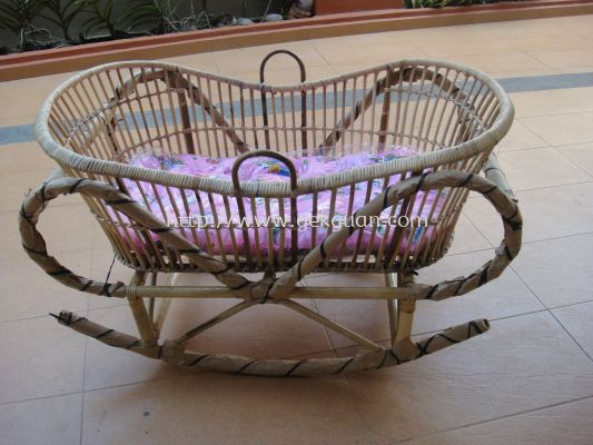 ROC 001 - RATTAN BABY SLEEPING BED(FB)