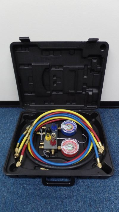 MASTERCOOL 96261EB413 4-WAY ALU. MANIFOLD SET & ADAPTERS C/W 5FT HOSES (R410A, R407C, R22)