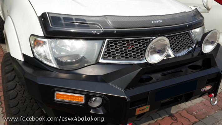 MITSUBISHI TRITON FRONT BULL BAR JUNGLE BRAND