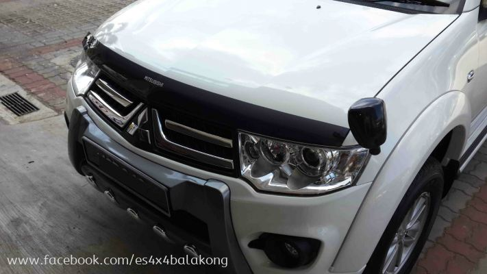 MITSUBISHI ORIGINAL VGT BUMPER BUARD WITH CHROME PLATE.