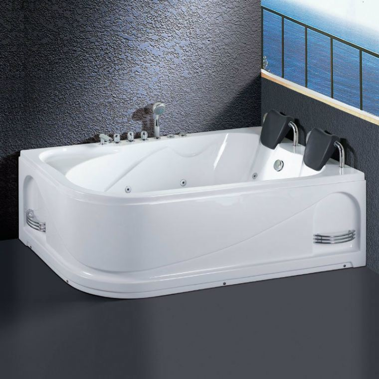 OR-2024 Orin Jacuzzi
