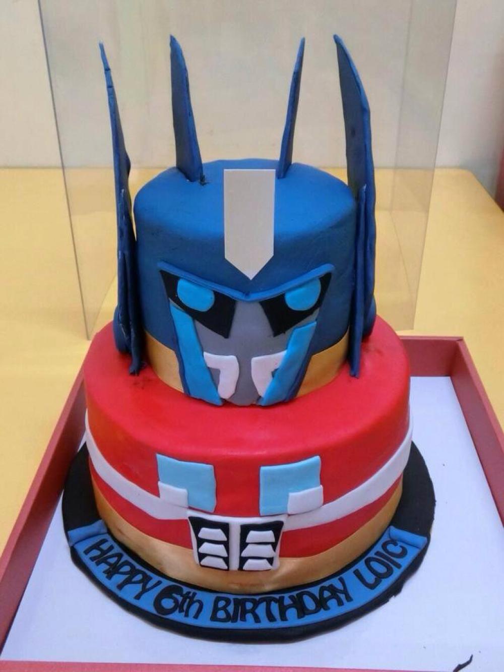 Transformer 3d Fondant Decoration Birthday Cake Tf2 Transformer