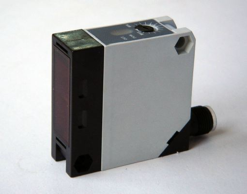 FREE VOLTAGE Photoelectric Sensor -iCON FS50 series Malaysia Singapore Thailand Indonesia Philippines Vietnam Europe USA