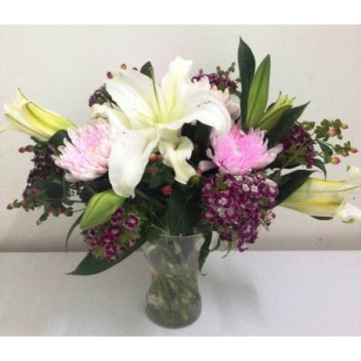 Lily, Big Mum, Barbatus Vase Arrangement (VA-006)