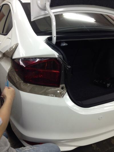 1) Honda City - Car Rear Lamp Tint