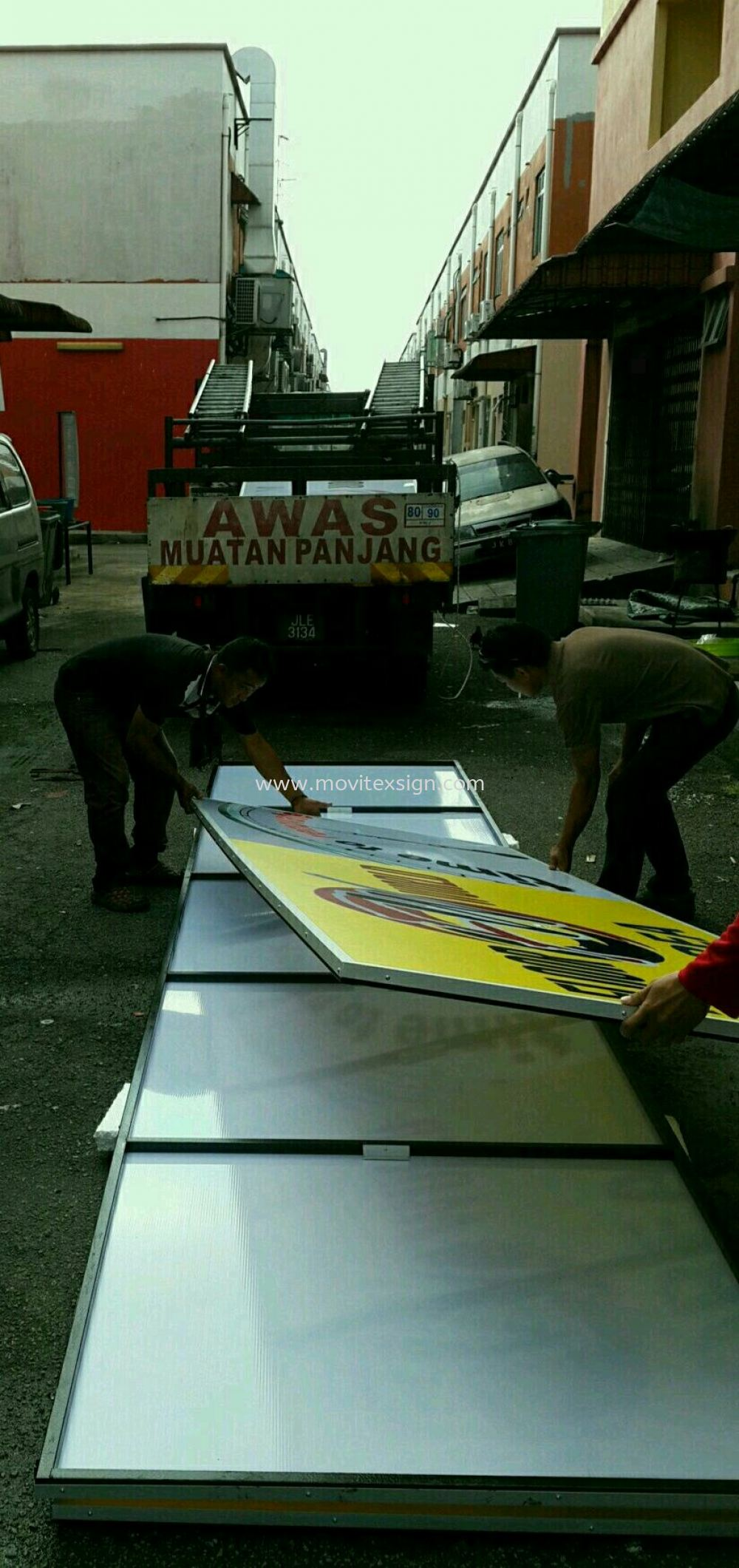 arrangements before  transporting out Production Johor Bahru (JB), Johor, Malaysia. Design, Supplier, Manufacturers, Suppliers | M-Movitexsign Advertising Art & Print Sdn Bhd