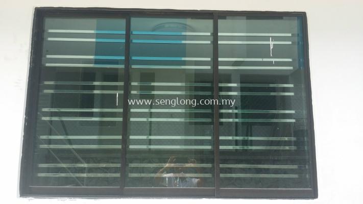 ~A~ YN window   (62)