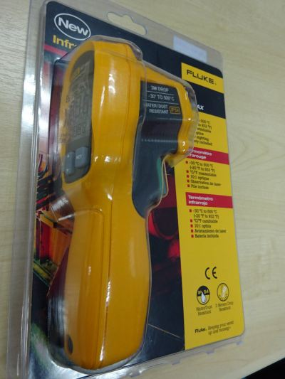FLUKE 62MAX  INFRARED THERMOMETER (-30��C TO 300��C)