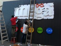 Giant signboard + box up wording