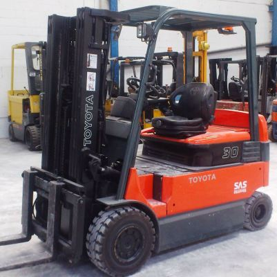 Toyota Battery Forklift 7FB30