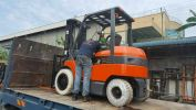 Toyota Battery Forklift 7FB30 Battery Forklifts Forklift Rental
