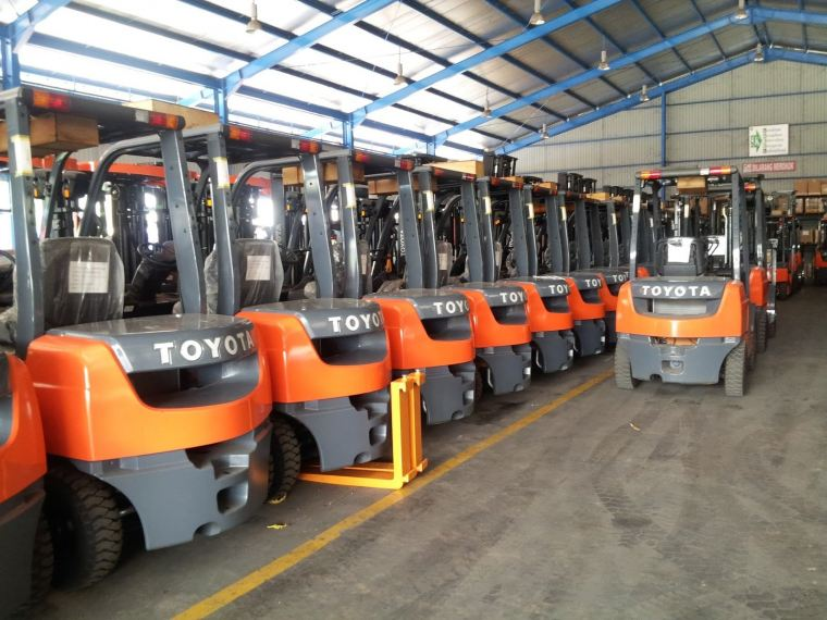 Reconditioned Forklift Trucks For Rental in Johor