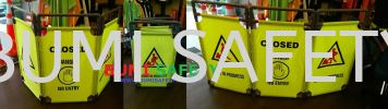 3 FOLDED MAINTENANCE BARRIER Traffic Control Safety Vest / Traffic Control