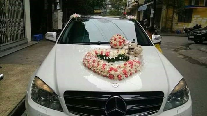 BC 007 Bridal Bouquet & Car