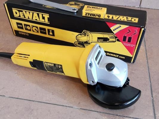"""Dewalt Angle Grinder 4""""(100mm) DW810  680W ID118951"""
