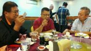 dinner with President (right) & deputy (left) of Gabungan Persatuan Pengangkutan Lori Sabah