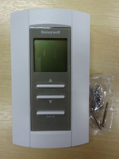 HONEYWELL TB7980A 1006 MODULATING TEMPERATURE THERMOSTAT (24 VAC) (0-10 VDC OR 2-10VDC) (SINGLE OUTPUT)