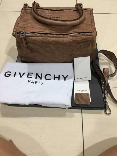 (SOLD) Brand New Givenchy Pandora with Strap (Two Ways Use)