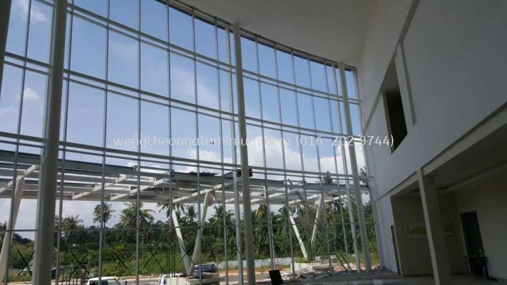 Curtain Wall With Tempered Glass