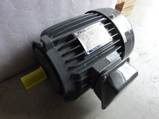 TECO AEEB. AEVB SERIES THREE-PHASE CAGE INDUCTION MOTORS