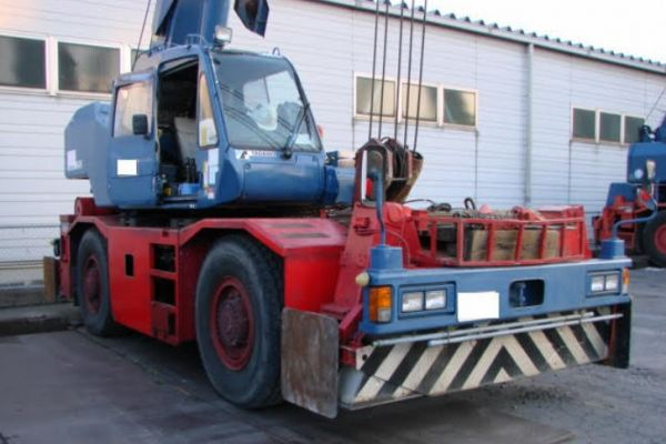 TR250M-6 Rough Terain Crane (25 tons)