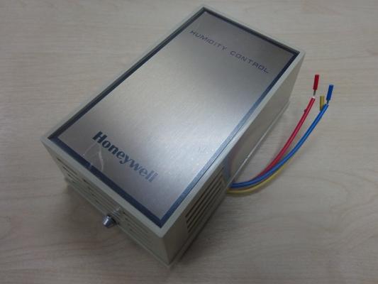 HONEYWELL H600A 1006 W/M HUMIDIFY/DEHUMIDIFY CONTROLLER (120/240V)