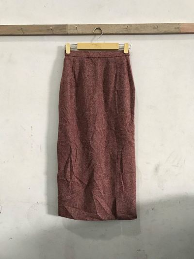 LT 14 - Ladies Springwear Skirt Mix