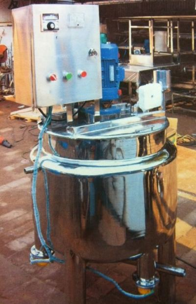 Double Jacketed Tank with Stirrer