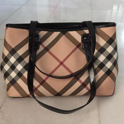 (SOLD) Burberry Nova Check Medium Shoulder Bag